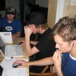 Junge Leute bei einer LAN-Party
